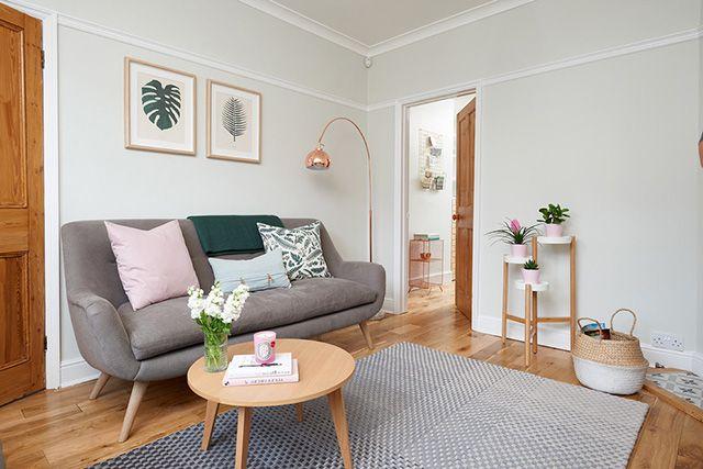 Como Combinar Un Sofa Gris Colores Para Pared Y Cojines Decoracion Sofa Gris Sofas Grises Diseno De Interiores Casa Pequena