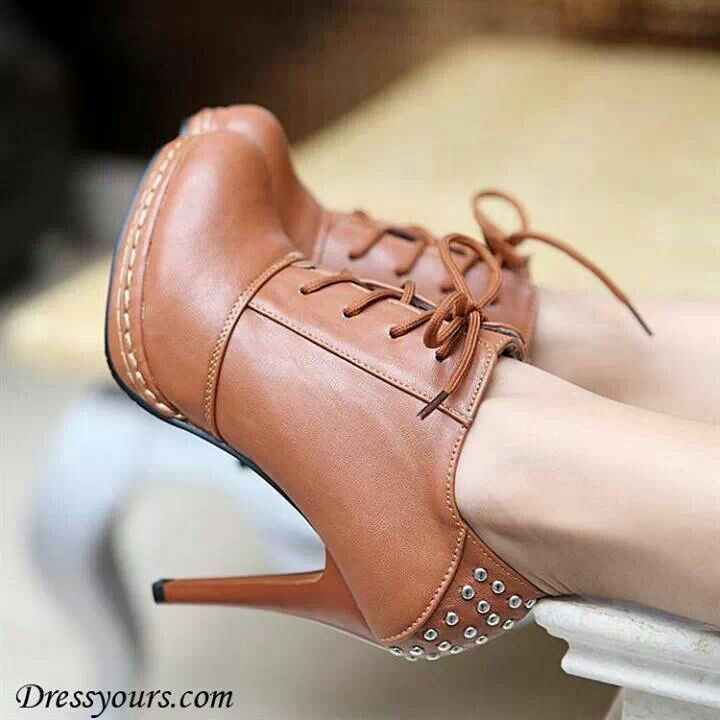 always wanted a pair of boots like these. love the colour, looks good with studs