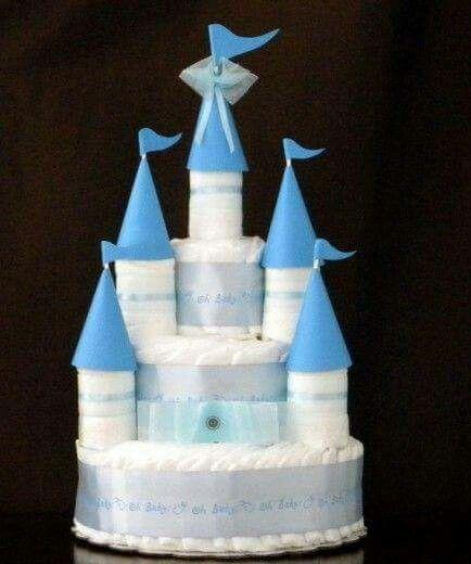 Bolo de fralda castelo para chá de bebê /baby chá de menino azul e branco