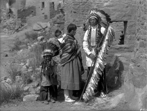 Chief Juan Cruz, wife Dolorita, son Benito and baby Juanita- San Jian Pueblo