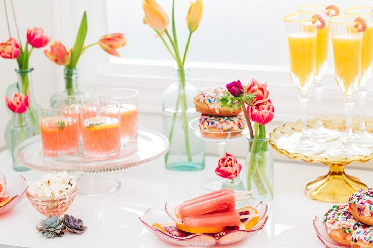 Cocktails; popsicles; sweet table; colourful wedding