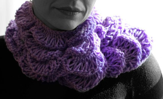 Neck warmer light purple by MmeDefargeYarnworks on Etsy