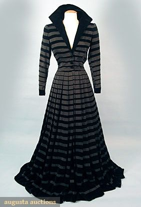 Dress  Jacques Fath, 1950. Oh so clever, the graduating stripes, wide to thin approaching the waist from hem and from shoulder