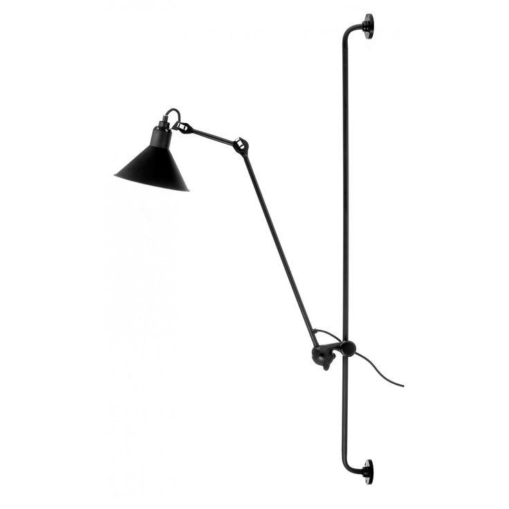N°214 vegglampe fra La Lampe Gras, designet av Bernard-Albin Gras. Denne vakre industrielle lampen b...