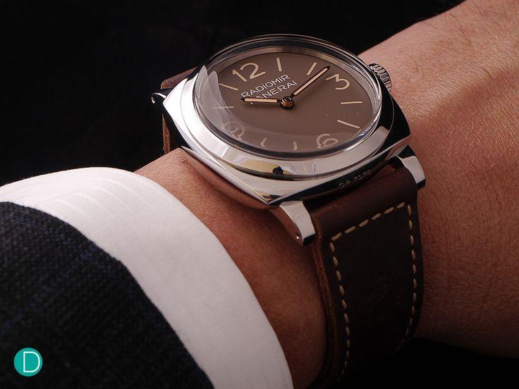 panerai-pam662-wrist
