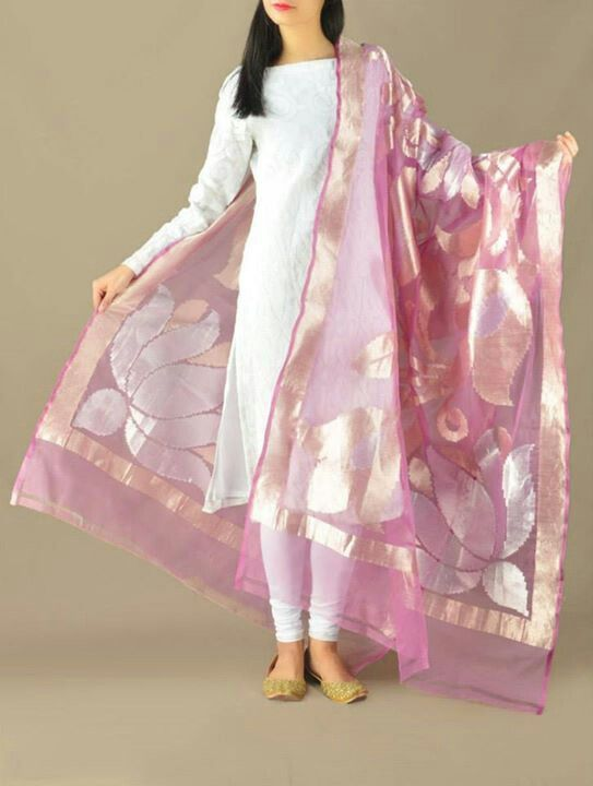 Love the benarasi pink dupatta