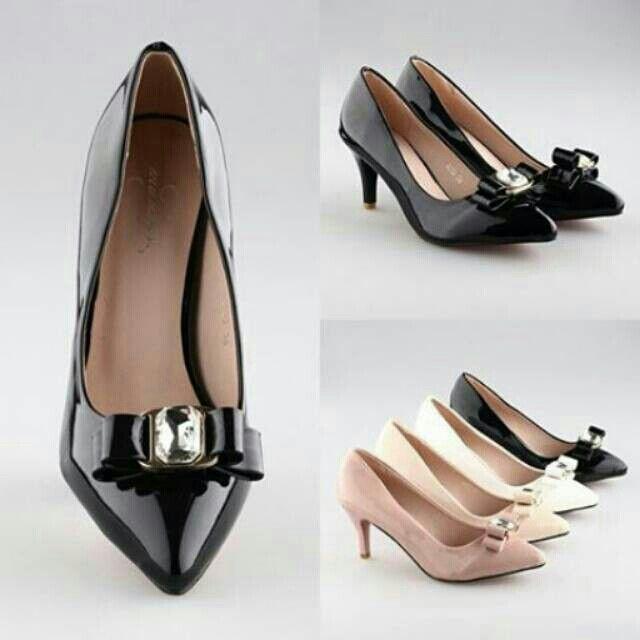 Saya menjual Sepatu seharga Rp220.000. Dapatkan produk ini hanya di Shopee! https://shopee.co.id/thehangershop/22615487 #ShopeeID