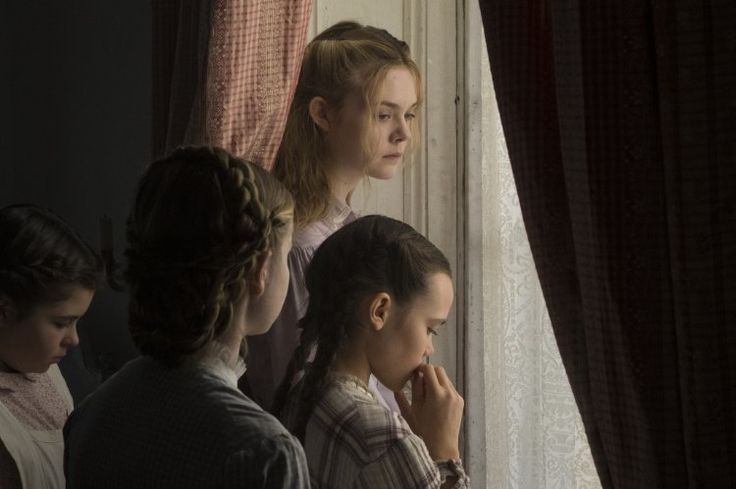 Elle Fanning, Angourie Rice, Oona Laurence, and Addison Riecke in The Beguiled (2017)