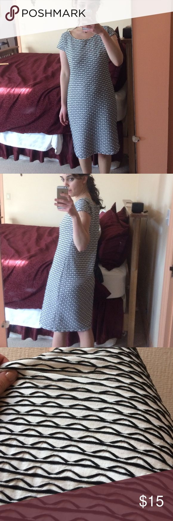 Striped work dress Cute but too big on me ! Perfect condition sharagano Dresses Midi