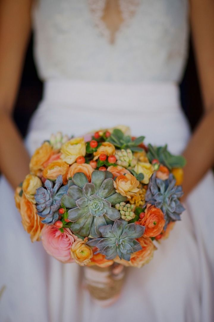 To see more pretty wedding flower ideas: http://www.modwedding.com/2014/11/05/wedding-flower-ideas-heavenly-blooms-just-pretty/ #wedding #weddings #bridal_bouquet photo: This Modern Romance