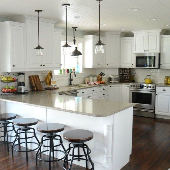 @theidearoom reveals a stunning kitchen remodel complete with updated pendant lights and smudge-proof Frigidaire appliances. #Lowes #Frigidaire #KitchenRemodel