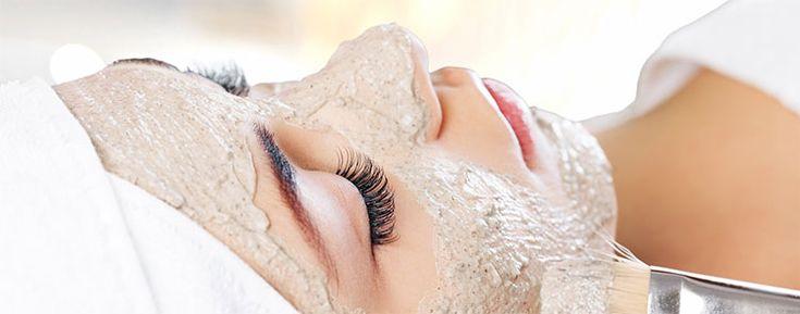Descubre las mejores mascarillas para la piel grasa. Puedes prepararlas fácilmente desde casa.