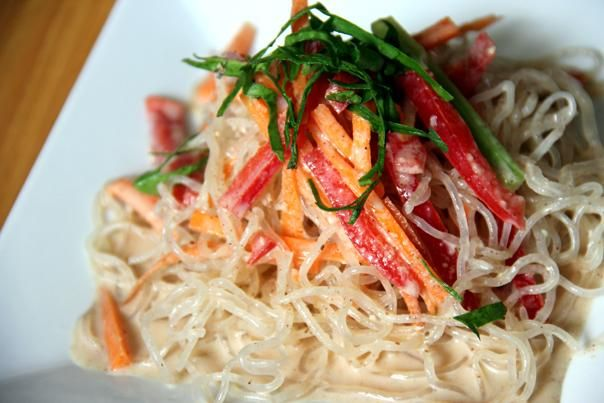 Recipe: Kelp Noodles with Almond-Ginger Dressing | Greatist