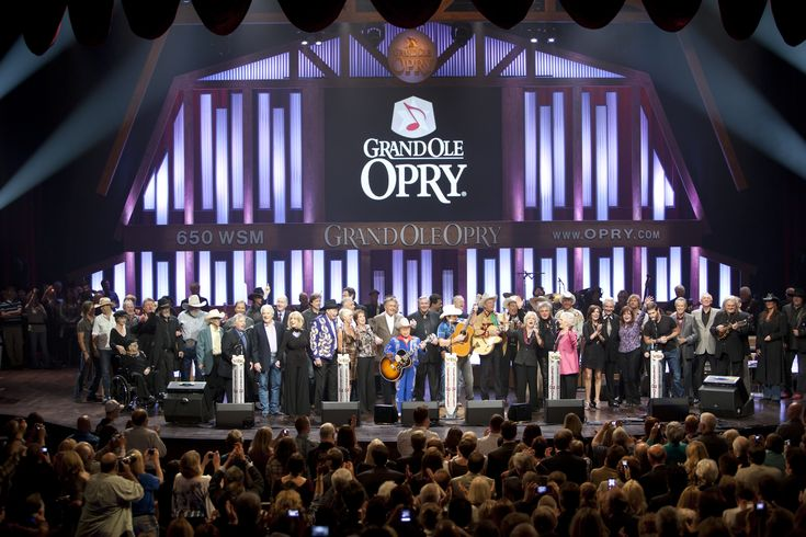 go to the grand ole opry, Nashville