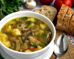 631. Гречневый суп с грибами и картофельными клецками      куриная грудка     2,5-3 литра воды     250 гр. шампиньонов     1\2 стакана гречки 1 луковица     1 небольшая морковь     лук порей     1 лавровый лист     зелень петрушки по вкусу     соль по вкусу   для клёцек      2-3 картофеля небольших     1 яйцо     3-4 ст. ложки муки     щепотка соли