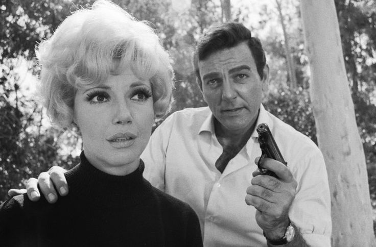 Mike Connors, Ruta Lee, Gene Reynolds, and Lee Born