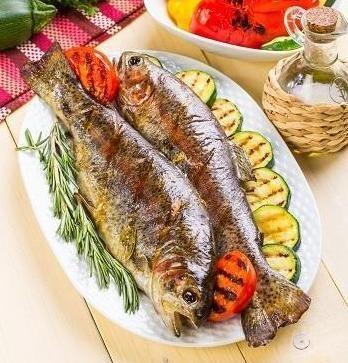 Рыба с овощами: 10 блюд для легкого ужина Думаете, что приготовить на ужин? Лучший вариант—рыба! Во-первых, она легкая и не оставит тяжести в желудке перед сном. Во-вторых, полезная,...