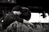 Безнадёжные одиночки. https://mensby.com/life/interesting/1043-587  Чувство одиночества все больше захватывает разные слои людей. Уйти в астрал, в запой, жить чужими отношениями или обратиться к психологам?