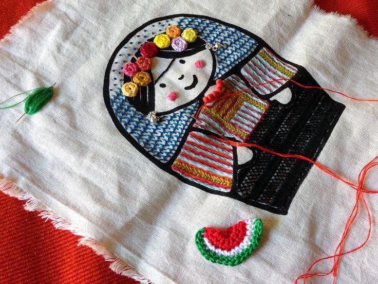 Casi terminando de bordar a la Frida | por María Tenorio