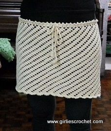 Free Crochet Pattern : Cover-up Skirt from girliescrochet.com - I think this would make a great bag too!!!