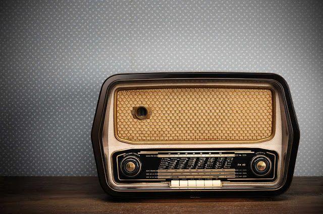Οριστικό «αντίο» στα FM του ραδιοφώνου λέει η Νορβηγία, η πρώτη στον κόσμο χώρα που μέσα στο 2017 θα «κατεβάσει» το δίκτυο των FM και οι ακροατές θα μπορούν να ακούν μόνο ψηφιακούς ραδιοφωνικούς σταθμούς.