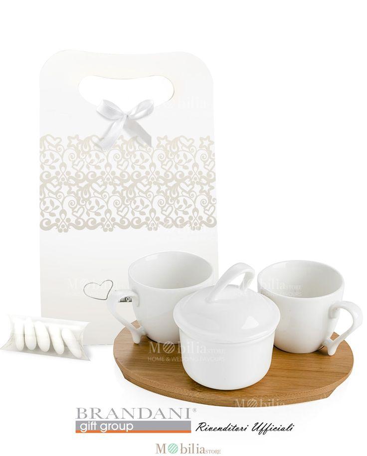 Set Tazzine Caffè Bomboniera Brandani bellissimo set raffinato ed elegante, ideale per matrimonio e cerimonie. Scopri le eccezionali promozioni su Mobilia Store.
