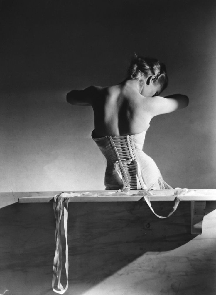 Horst P. Horst: Mainbocher Corset, 1939 In August 1939, on the eve of the Second World War, Horst P. Horst took his famous photograph of the Mainbocher Corset in the Paris Vogue studios on the Champs-Elysees. The picture, which marked the end of his work for some time, later became his most cited fashion photograph