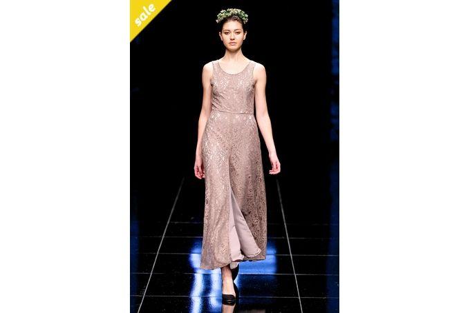 Lace dress by Lo
