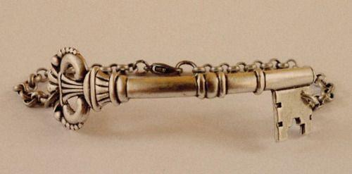 key braceletOld Keys, Vintage Wardrobe, Pretty Things, Vintage Things, Awesome Drawers Cabinets, Doors Locks, Keys Bracelets Cool I, Fantabul Things, Pretty Keys