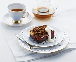 Cherry  & Almond Crumble Slice Recipe #Cherry #Almond #recipe