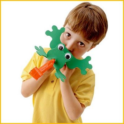Fly-Catching Frog - You and your child can transform a simple party favor into a fabulous toy frog that can flick its tongue just like real ones do when they try to catch flies - PDF saved, tutorial on website. X