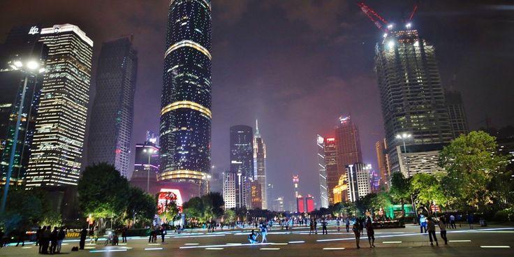 Торговые центры и магазины в Гуанчжоу (Китай) / В Гуанчжоу едут многочисленные туристы, здесь для удачного шоппинга все условия созданы. Много магазинов и торговых центров, чётко организованная инфраструктура. Правда, торговых заведений слишком много, без подготовки сложно в них[...]