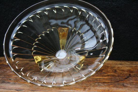 art deco geel geperst glas schaal verre de door BelaCastroAndCo