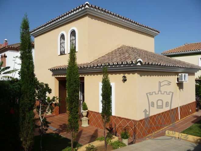 3 Bed Villa Charming detached villa with a private garden Ref:1351