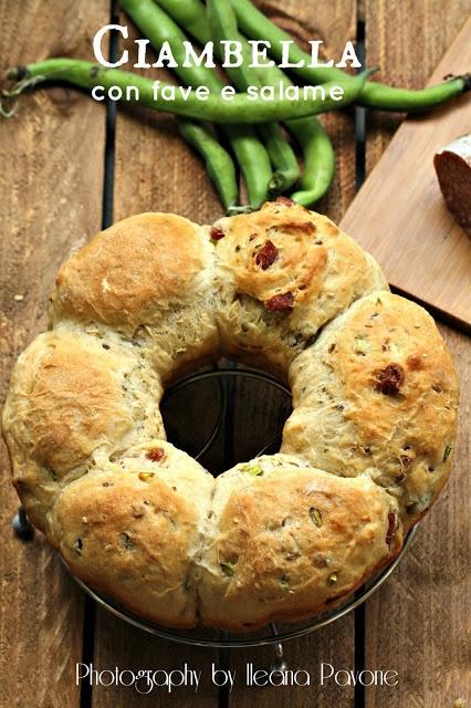 Ciambella di pane ai cereali con fave e salame