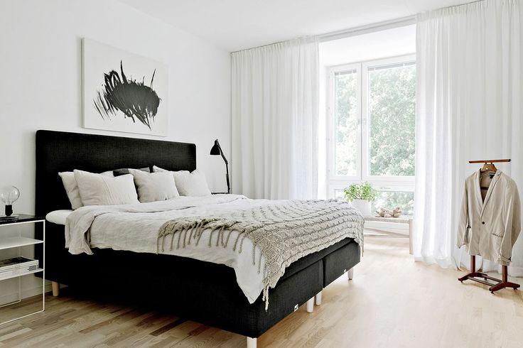 Peaceful Bedroom In A Transparency Mode. Vänortsgatan 23