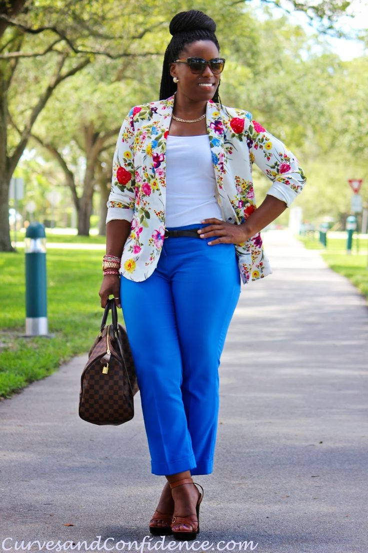 Floral Royal Blue White Brown Outfit Curves and Confidence | Inspiring Curvy Fashionistas One Outfit At A Time