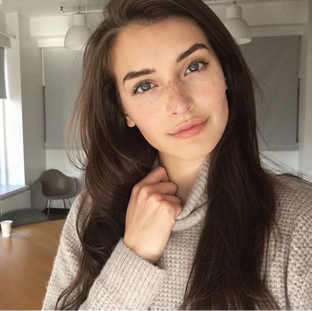 HI I'm Jessica, but just call me Jess. I'm really nice and can be sarcastic and fun. I love singing, skiing, and writing. I'm 17 and single of course! I'm a newblood so I can control lightning. Anyways introduce?