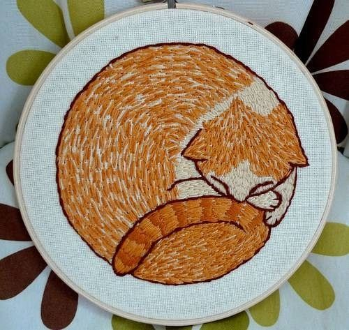 Sleepy kitty embroidery (no pattern, just inspiration)