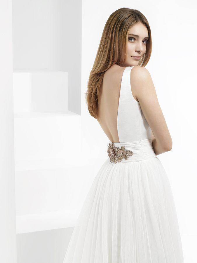 Espaldas escotadas en novias Espaldas que enamoran en novias www.jorgeaparisi.com