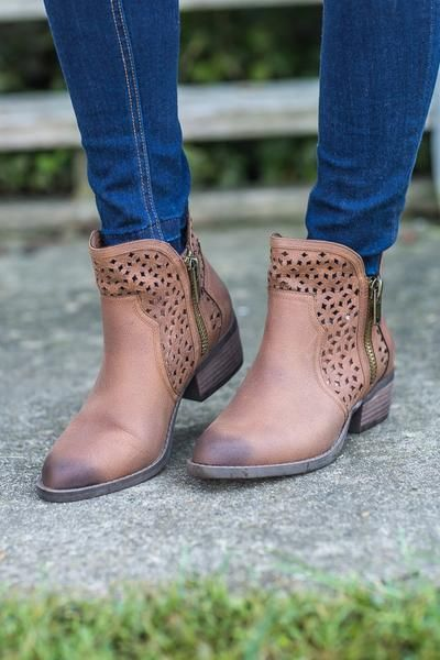 """Our favorite brand Not Rated has done it again with these adorable booties! These not rated shoes will pair perfectly with all your fall vests and outfits! Heel 1.5"""""""