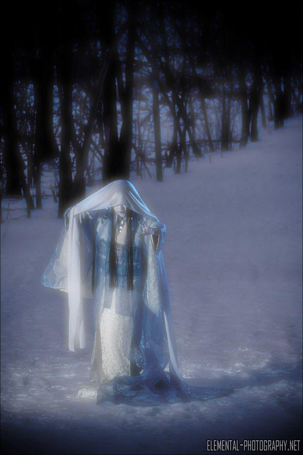 Yuki onna. Photographer: Amanda Irwin, Model: Maral Agnerian
