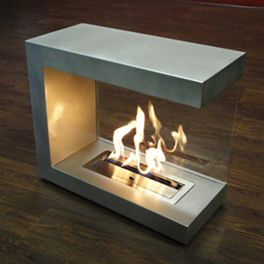 Eco Fire bioethanol portable fireplace. Runs on renewable brasa fuel, which produces no harmful emissions, and can be used indoors without ventilation.