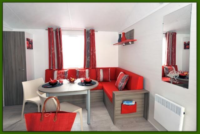 banquette salle a manger design. Black Bedroom Furniture Sets. Home Design Ideas
