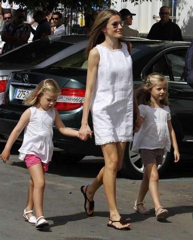 Las Infantas Leonor y Sofía, de princesas a reinas de las Revistas