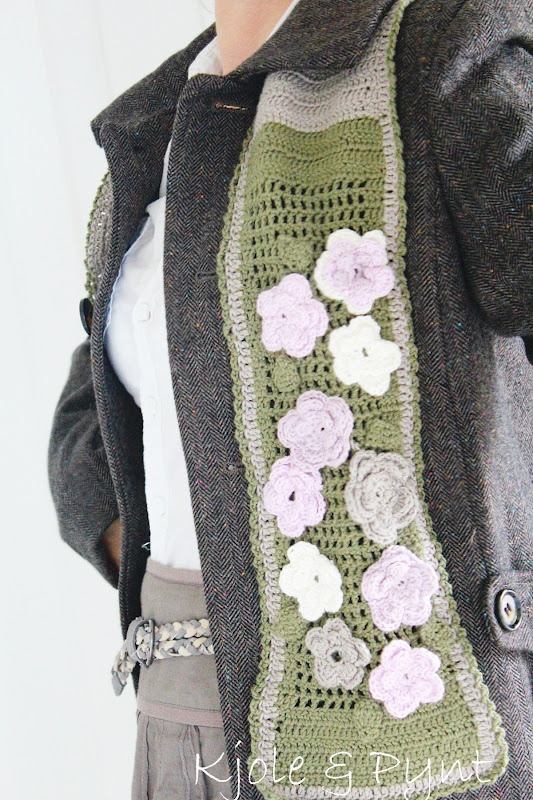 Häkelblümchen Schal * crochet flower scarf
