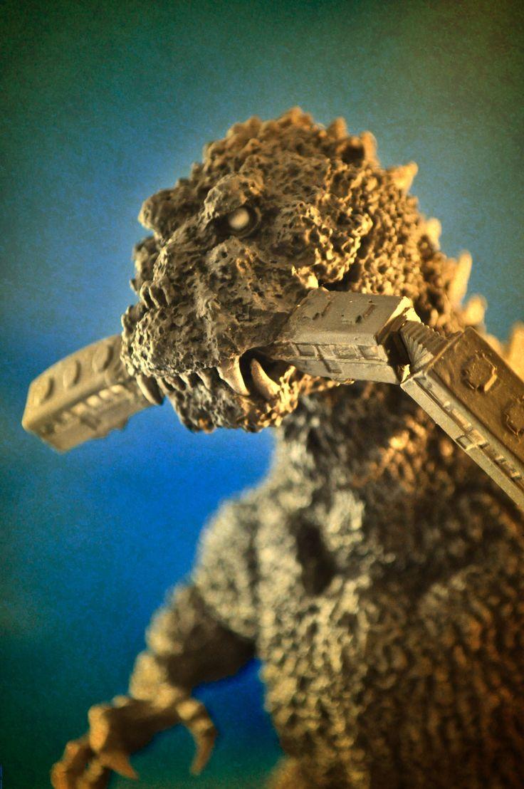X-Plus Godzilla '54  Photo by Stan G. Hyde.