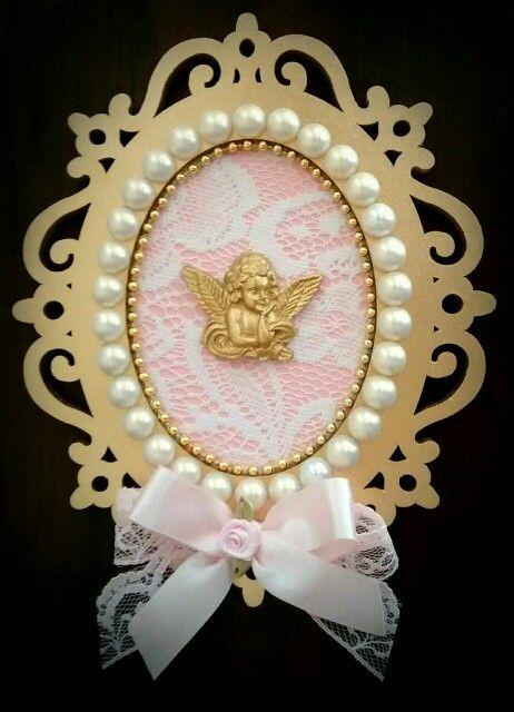 Quadro Anjo da Guarda. Dourado, com renda. Medida 17cm x 14cm...