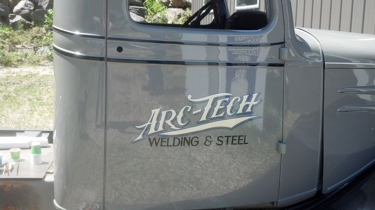 Trucke Lettering Using Metallic Leafs Gold Silver Copper And Variegated Gold Leaves Truck Lettering Car Lettering Lettering