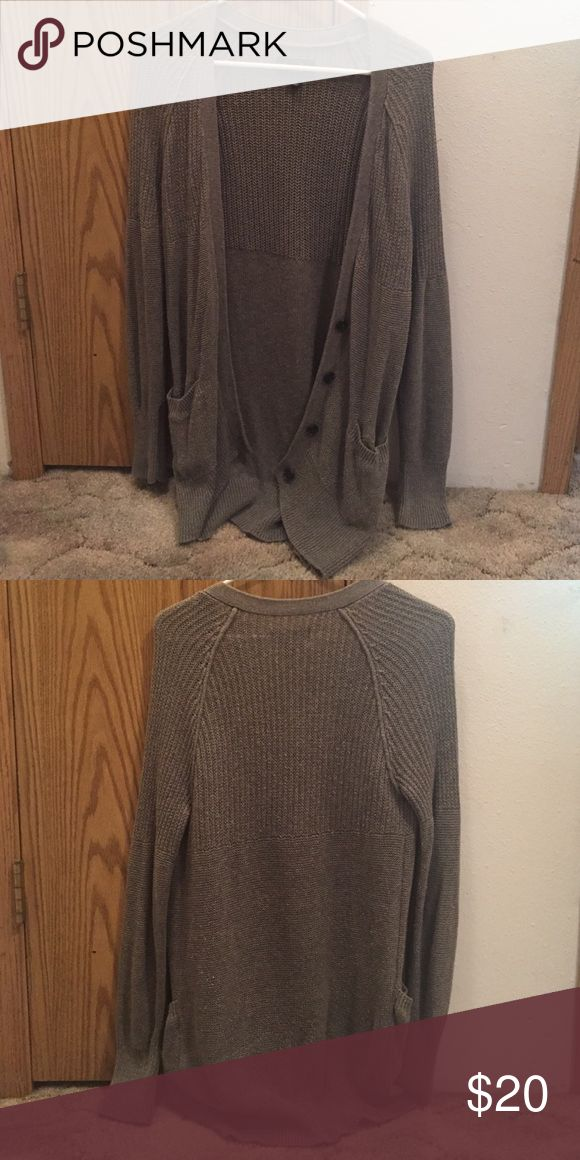 Gray Sweater This American Eagle gray sweater is in great condition. Perfect for the fall season ahead of us! American Eagle Outfitters Sweaters Cardigans